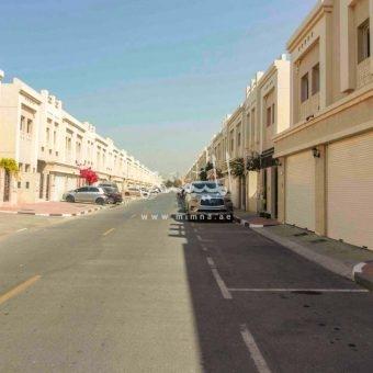 للبيع مجمع فلتين في ابوهيل دبي