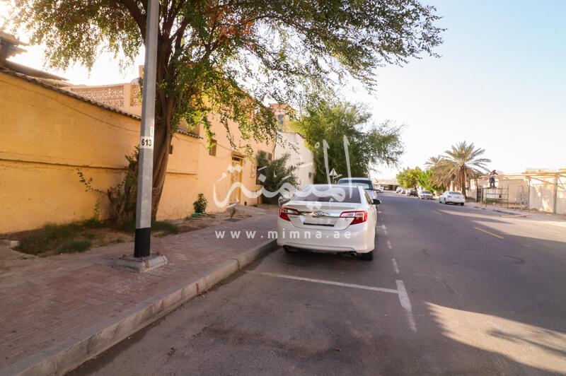 فيلا للبيع في الراشدية دبي تتكون من 5 غرف