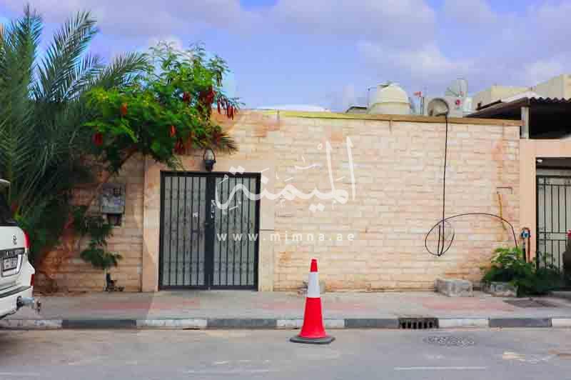 للبيع بيت شعبي في ابوهيل دبي يتكون من 6 غرف نوم