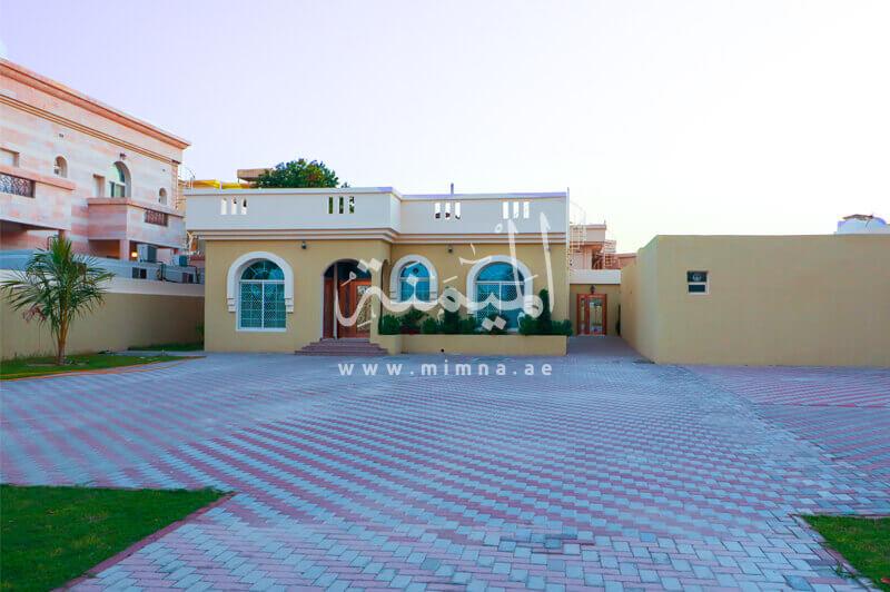للبيع فيلا في المزهر الاولي دبي تتكون من 8 غرف
