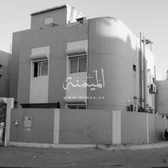 للبيع فيلا في هورالعنز دبي علي شارعيين وزاويه تتكون من 6 غرف نوم